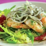 Recipe: Warm salad with garlic prawns
