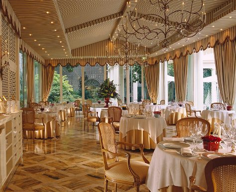 Le Bristol The Luxury Hotel With An Adjoining One Of Best Restaurants In French Capital Haute Cuisine And Course High Prices