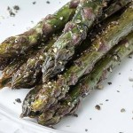 Roasted asparagus with black pepper and lemon