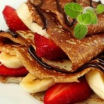 Banana crepes with strawberry