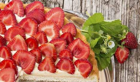 strawberry and lemon pie