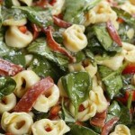Tortellini salad with spinach